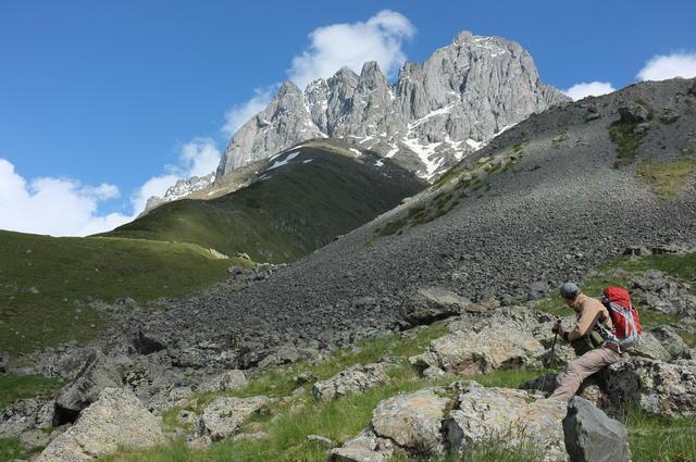 Грузия, гора Чаухи и странник
