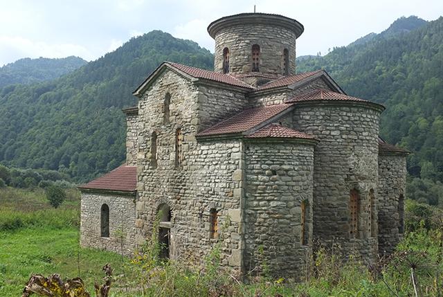 Средний Храм, Нижне-Архызское городище